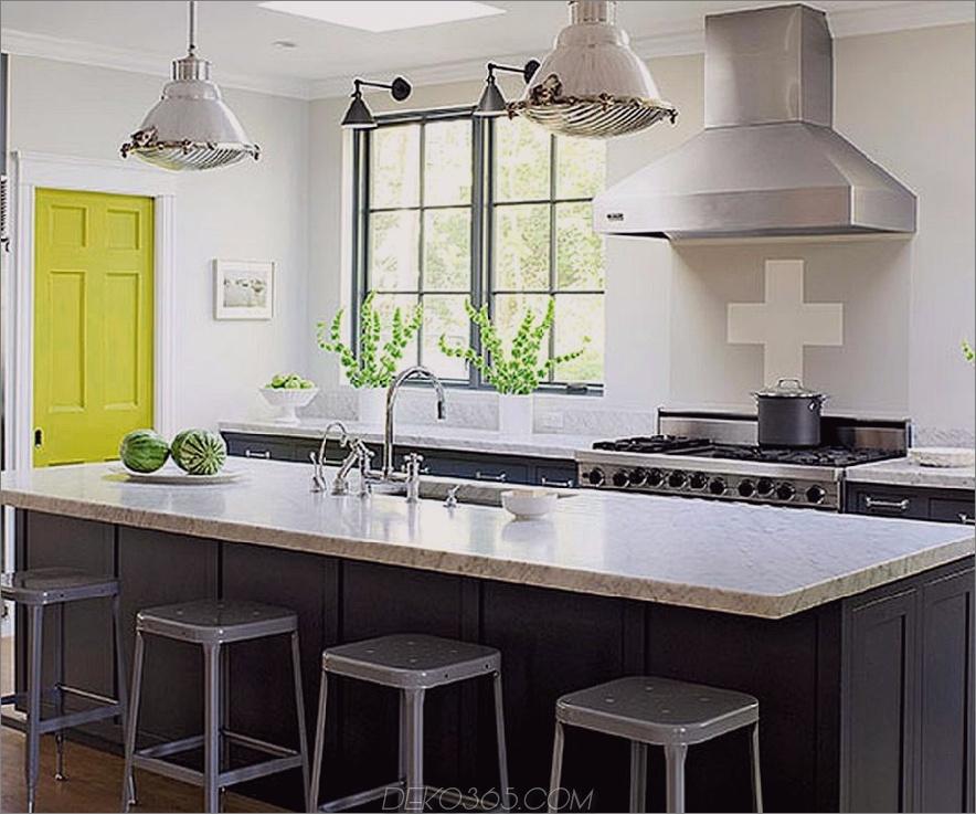 Rauchige graue Küche mit Zitrusfruchttür