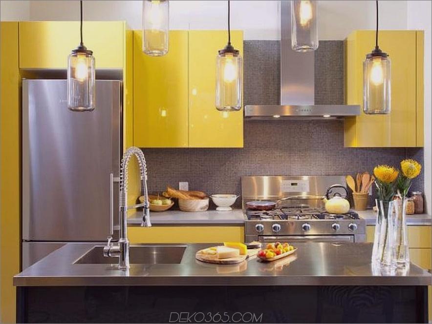 Gelbe Küche mit Edelstahl