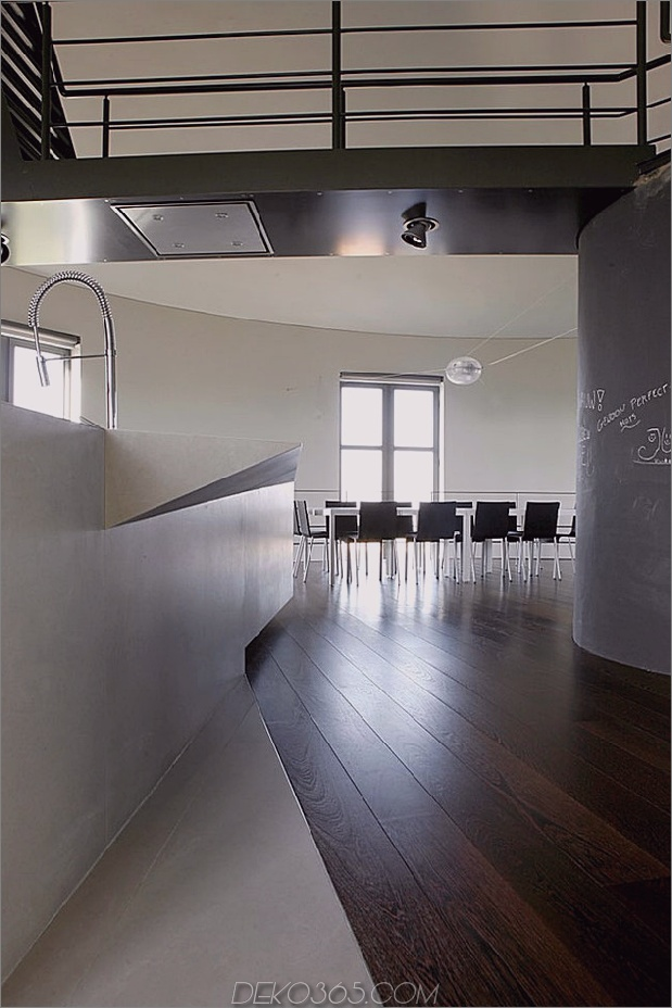 Wasserturm-umgebaute-private-Residenz-7-dining.jpg