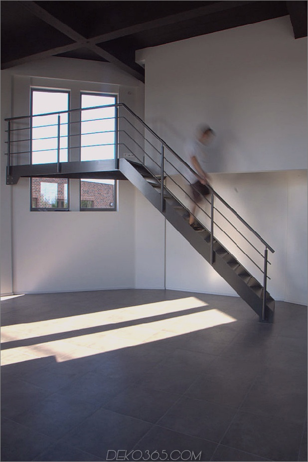Wasserturm-umgebaute-private-Residenz-13-Schlafzimmer.jpg