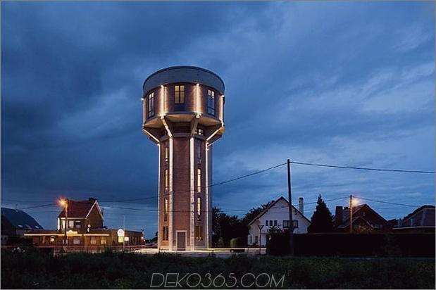 Wasserturm-umgebaute-private-Residenz-17-Turm-Nacht.jpg
