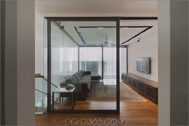 windgewölbe-haus-mit-gekrümmten dach-und-glas-basis-13.jpg