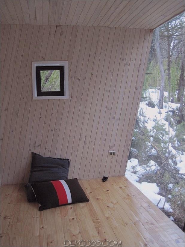 Winterhütte-Zugang-erhöhte-Gehweg-10-Kissen.jpg