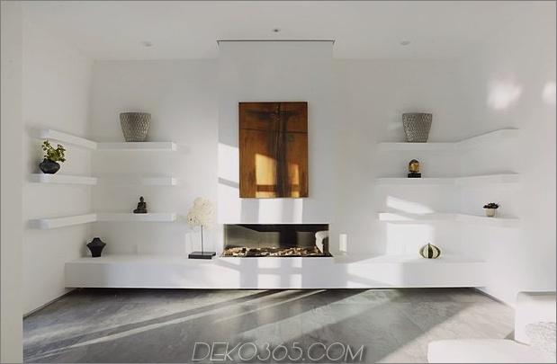 Zeitgenössisches Haus mit Pool hat Schwarz-Weiß-Interieur_5c598f7862b11.jpg