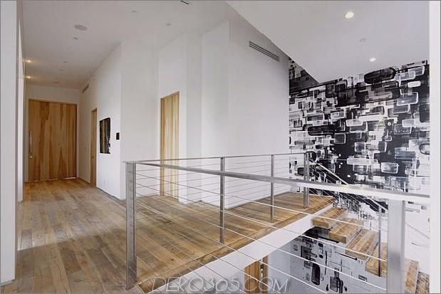Zeitgenössisches Haus mit Pool hat Schwarz-Weiß-Interieur_5c598f7cc4d50.jpg