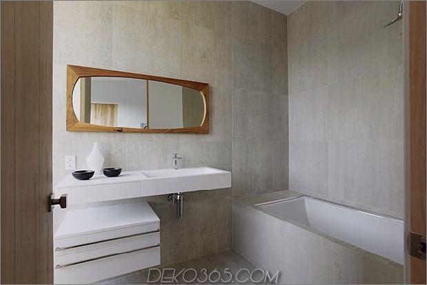 Zeitgenössisches Haus mit Pool hat Schwarz-Weiß-Interieur_5c598f7e0ce8a.jpg