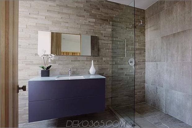 Zeitgenössisches Haus mit Pool hat Schwarz-Weiß-Interieur_5c598f849af33.jpg