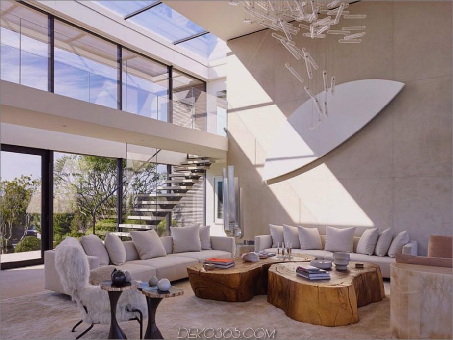 Das Wohnzimmer ist voll von einzigartigen Dekorelementen