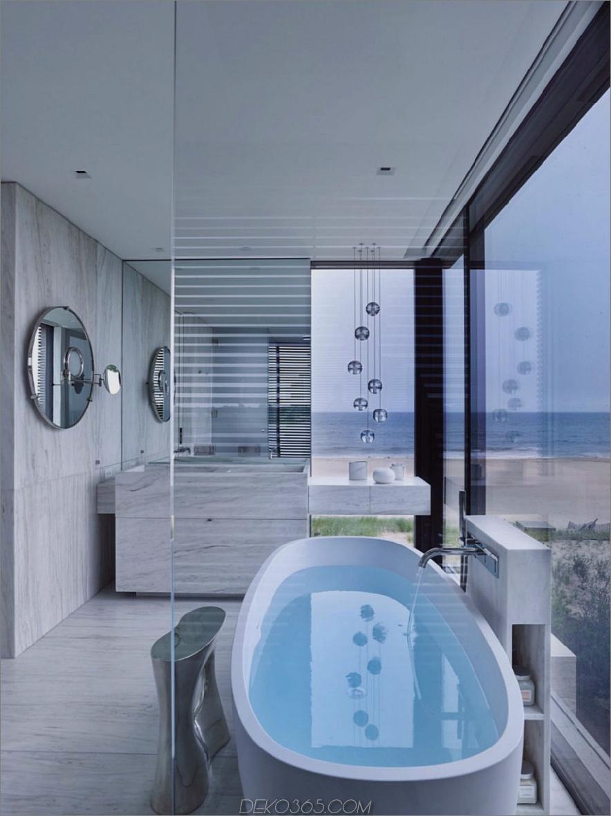 Sogar das Badezimmer bietet einen Blick auf das Meer
