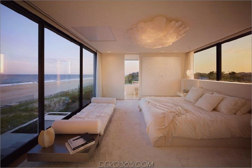 Eines der Schlafzimmer bietet Blick auf beide Seiten