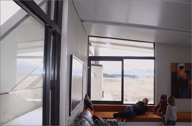 Zelt-Haus-mit-Gefrier-Fly-Dach-Campy-Beton-Interieur-8.jpg