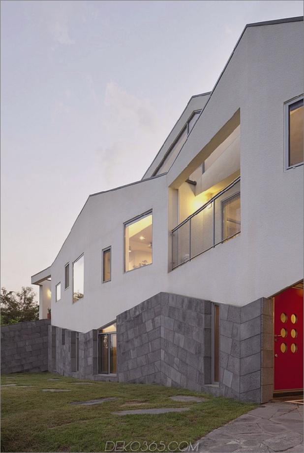 Zickzack-Haus-mit-Panoramablick-und-Dia-innen-5.jpg