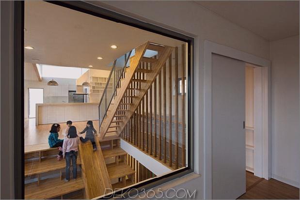Zick-Zack-Haus-mit-Panoramablick-und-eine-Rutsche-innen-13.jpg
