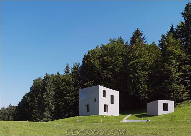 zwei Betonwürfel, bestehend aus Hauptgasthaus-3-Site.jpg