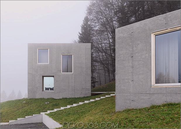 Zwei-Beton-Würfel-Hauptgasthaus-5-Stufen.jpg