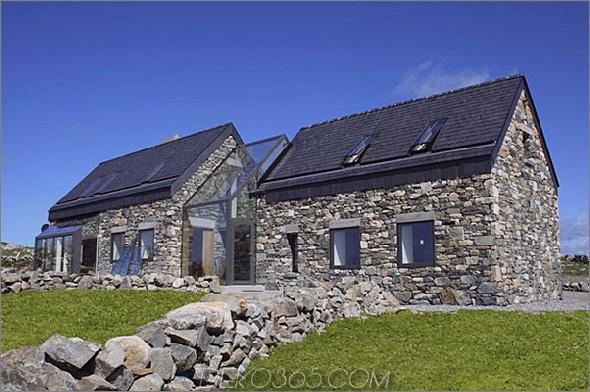 Zwei-Stein-Hütten-mit-Glas-Treppe-19.jpg