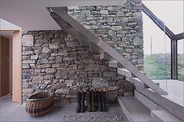 Zwei-Stein-Hütten-mit-Glas-Treppe-7.jpg
