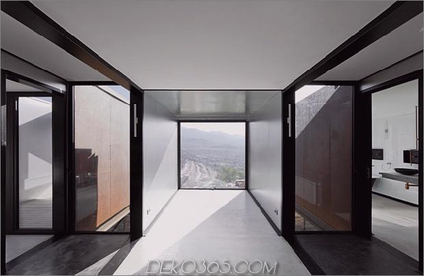 Zwölf Versandbehälter zu einem modernen Berghaus zusammengefasst_5c5991d387265.jpg